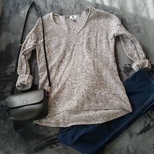 Old Navy grey white v neck sweater